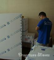 上海国际搬家公司根据公司标准检查物品包装质量